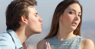10 أسباب تجعل رائحة النفس سيئة .. تعرف عليها وتجنبها