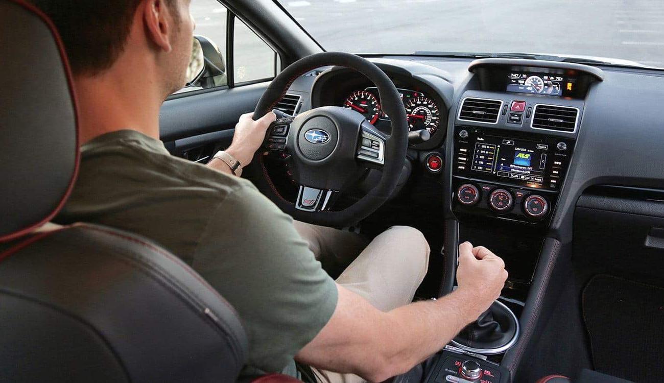 تفسير حلم قيادة السيارة