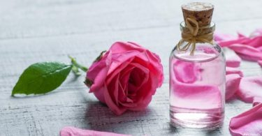 فوائد ماء الورد للرجال
