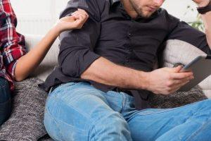 أسباب تغير الزوجة على زوجها