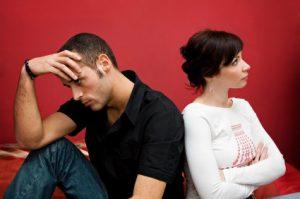 الزوجة العنيدة المتكبرة .. كيف تتعامل معها وتخضعها؟