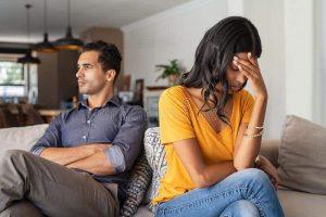 علامات عدم حب الزوجة لزوجها .. أوضحها رفض العلاقة الحميمة